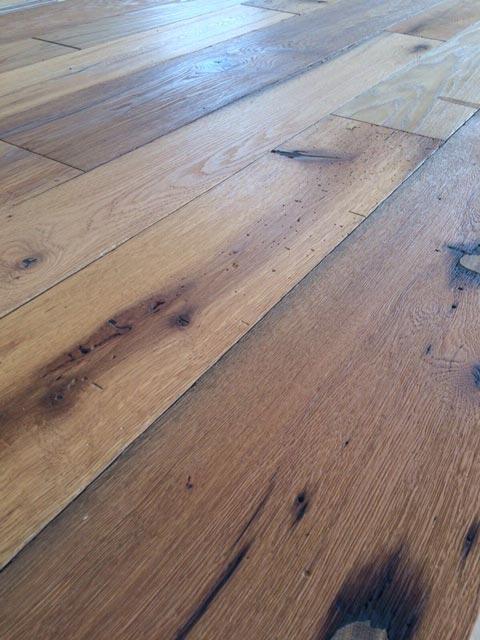 comprar--tarima-parquet-madera-maciza-flotante-roble-acabado-envejecido-clasico-madera-reciclada-recuperada-confort