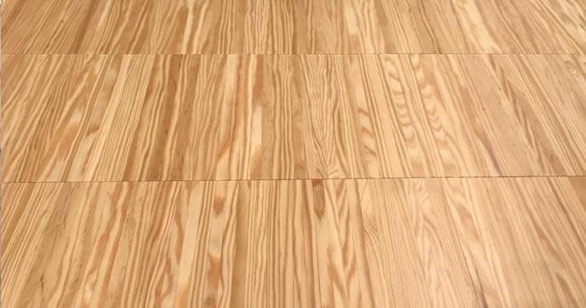 comprar-parquet-industrial-madera-pino-novedad-facil-instalar-acabado-barnizado